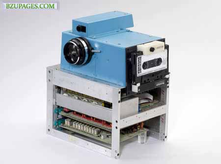 Name:  World First Digital Camera (1975) Created by Kodak's engineer Steve Sasson.jpg Views: 5378 Size:  26.0 KB