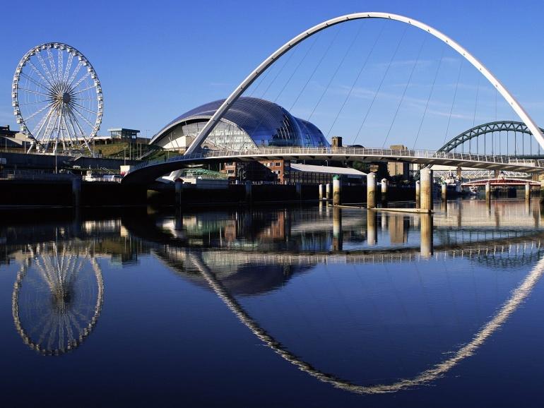 Name:  Gateshead%20Millennium%20Bridge,%20England.jpg Views: 1608 Size:  165.5 KB
