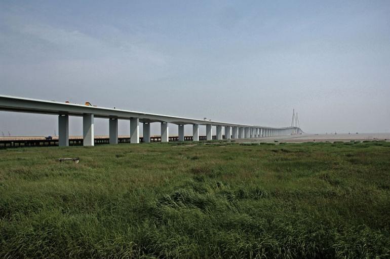 Name:  800px-Hangzhou_Bay_Bridge_ABA_1360_AK1.jpg Views: 1000 Size:  131.9 KB