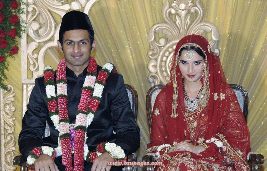 Name:  Shoaib Malik and Sania Mirza Wedding Picture (5).jpg Views: 3116 Size:  237.2 KB