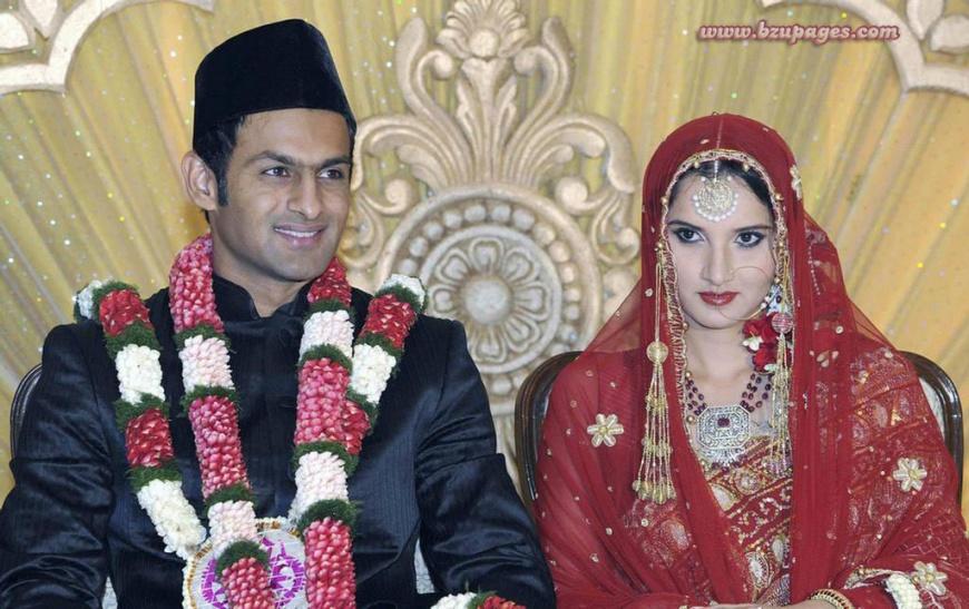 Name:  Shoaib Malik and Sania Mirza Wedding Picture.jpg Views: 2278 Size:  199.9 KB