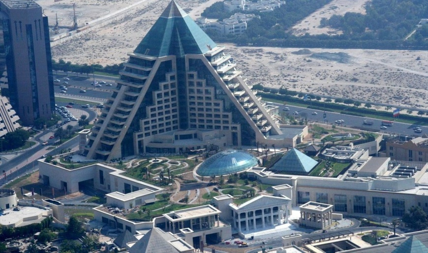 Name:  Raffles_Dubai_on_18_October_2007.jpg Views: 6760 Size:  222.3 KB