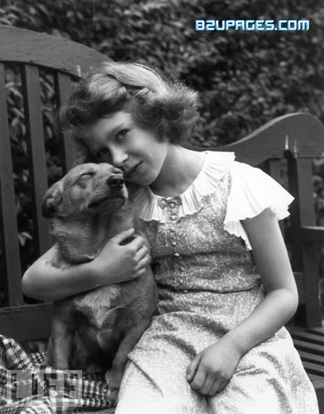 Name:  Elizabeth II (Before She Was Queen) (4).jpg Views: 1953 Size:  86.6 KB