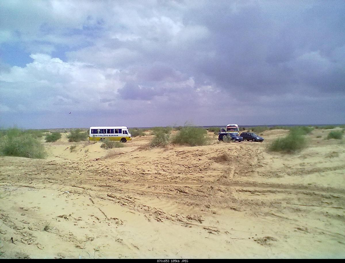My Dance When I Visit To Desert In Rahim Yar Khan With MTB Boys-06092011102.jpg