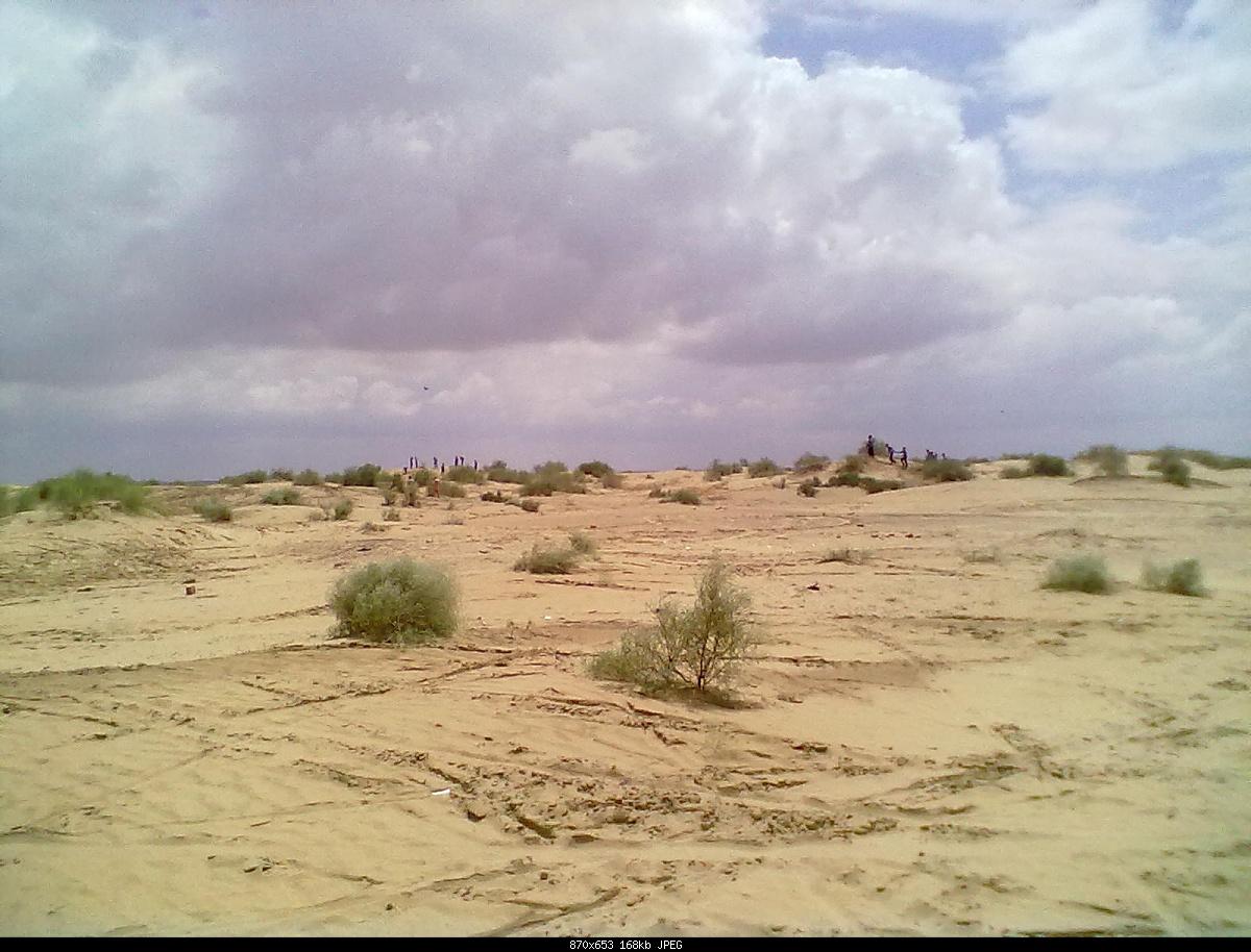 My Dance When I Visit To Desert In Rahim Yar Khan With MTB Boys-06092011103.jpg