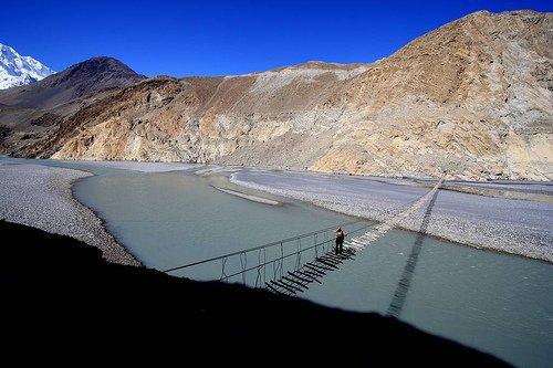 Name:  Suspension bridge in the Karakorams.jpg Views: 269 Size:  44.6 KB