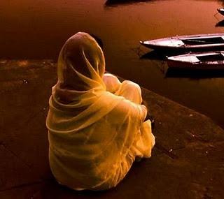 Name:  alone girl sitting near boats.jpg Views: 1780 Size:  21.9 KB