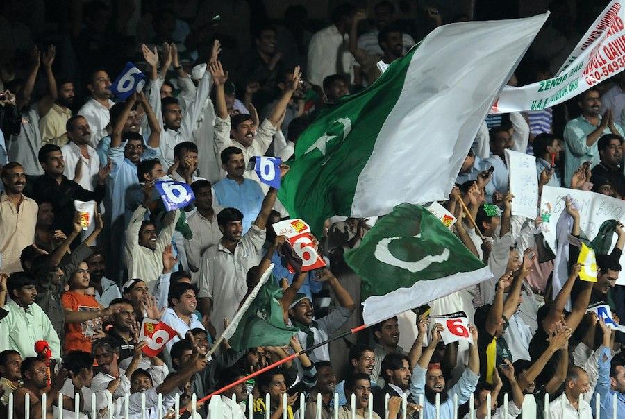 Pakistan beat Srilanka in 4th ODI match to win ODI Series by , 3-1-strong-support-pakistan-sharjah.jpg