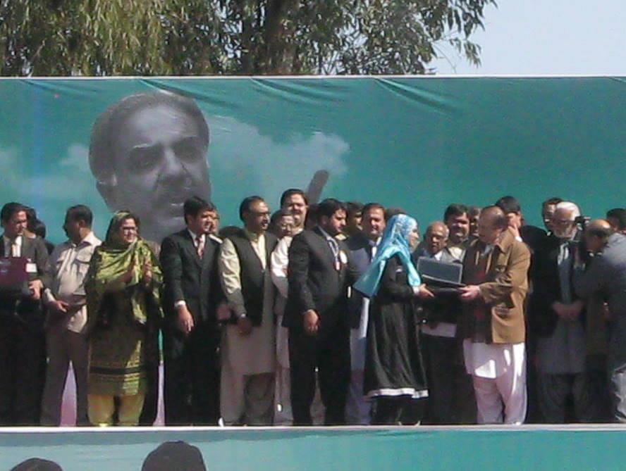 Laptops which will be awarded by CM. Shahbaz Sharif. on 7th of Feb in BZU-laptop-distribution-ceremony-bzu-nawaz-sharif-4-.jpg