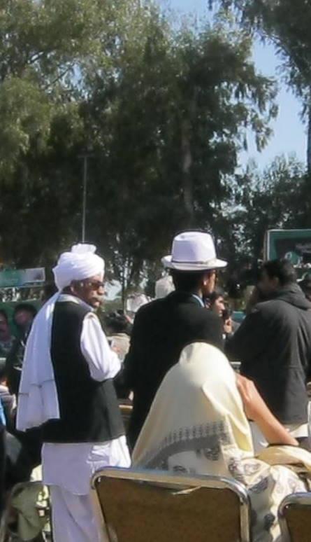 Name:  Laptop Distribution Ceremony in BZU by Nawaz Sharif (14).jpg Views: 2395 Size:  46.1 KB