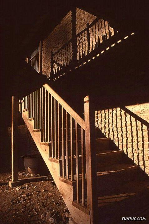 Name:  %20stunning_stairs_03.jpg Views: 236 Size:  65.9 KB