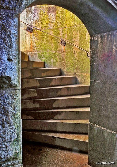 Name:  %20stunning_stairs_28.jpg Views: 229 Size:  95.5 KB