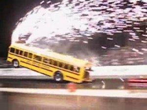 Name:  bus-wheelie.jpg Views: 1270 Size:  17.4 KB